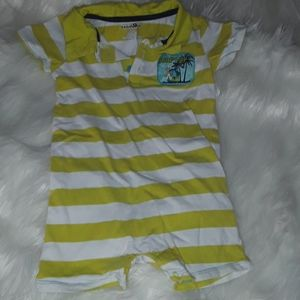 💥 SALE 3/15 💥Babies R Us Surf's up outfit